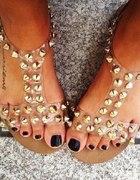 Sandalki przeźroczyste ze złotymi ćwiekami