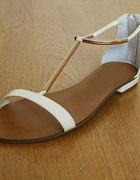 sandałki złoty pasek
