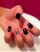 Nails BURBERRY