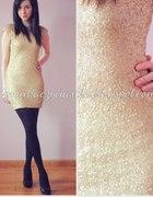 3 Złota sukienka z cekinami...