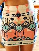 Spódniczka bandażowa aztec Bershka