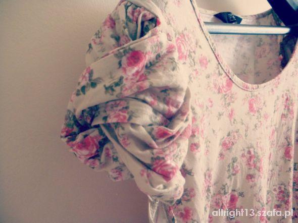 Bluzeczka kwiatki...