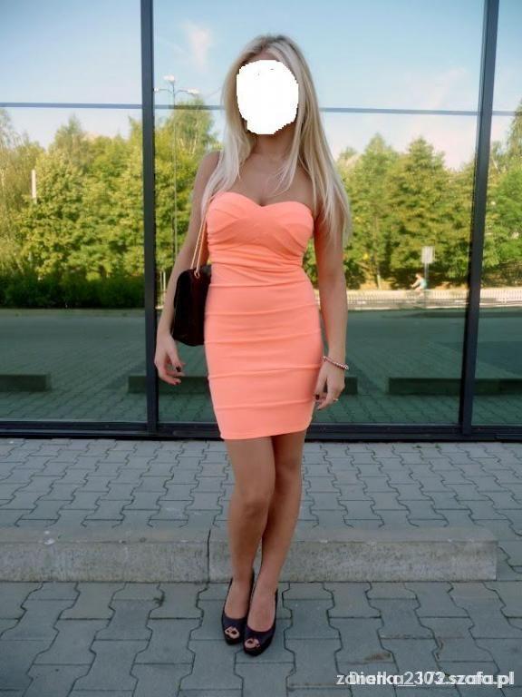 Imprezowe Morelowa Bandażowa Sukienka Tally Weijl