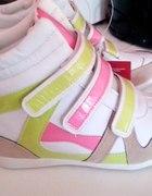 sneakersy z biedronki