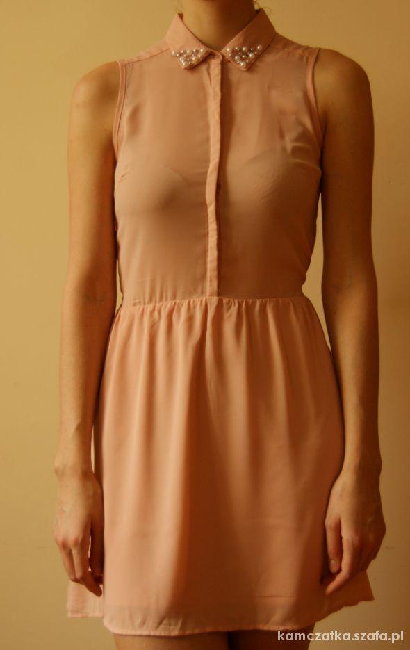 Kremowa sukienka House