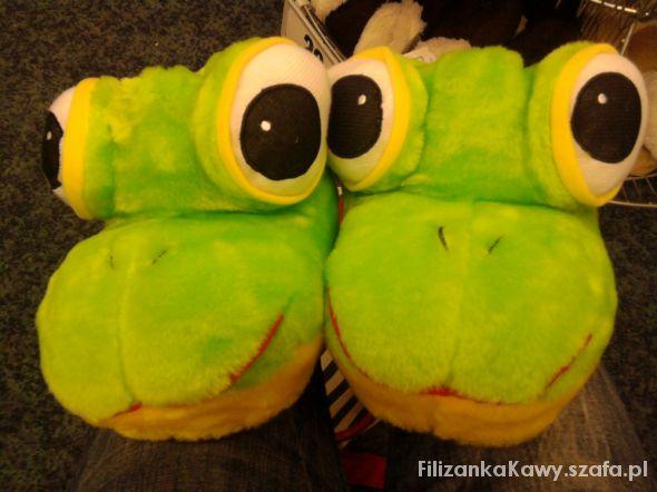 kapcie żabki...
