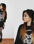 Czarna koszulka lub bluza z klasycznym pentagramem