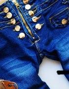 jeansy poszukiwane