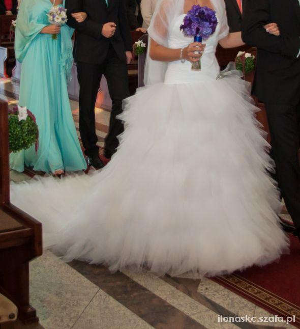 Na specjalne okazje Piękna suknia ślubna Ivanka z trenem rozm 3638