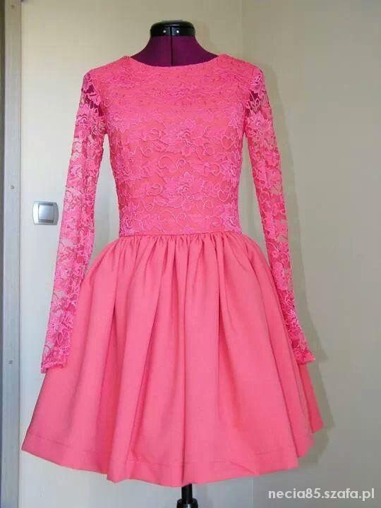 Eleganckie malinowa sukienka