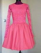 malinowa sukienka