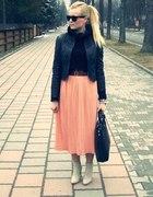 morelowa spódnica plisowana midi i czerń