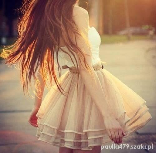 spódnica rozkloszowana elegancka z falbankami...