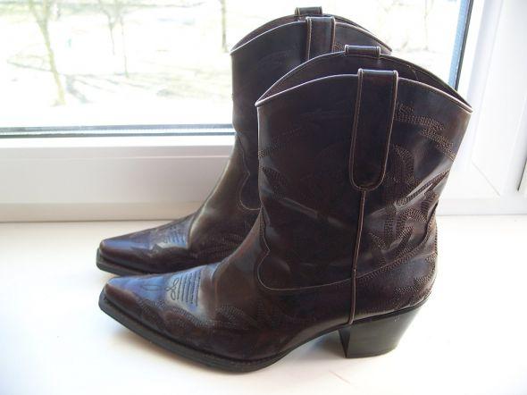 beżowe botki damskie Catwalk typu kowbojki 11122750