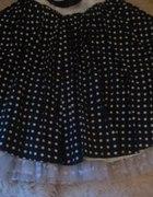 Szeroka kloszowa spódniczka w groszki retro pin up
