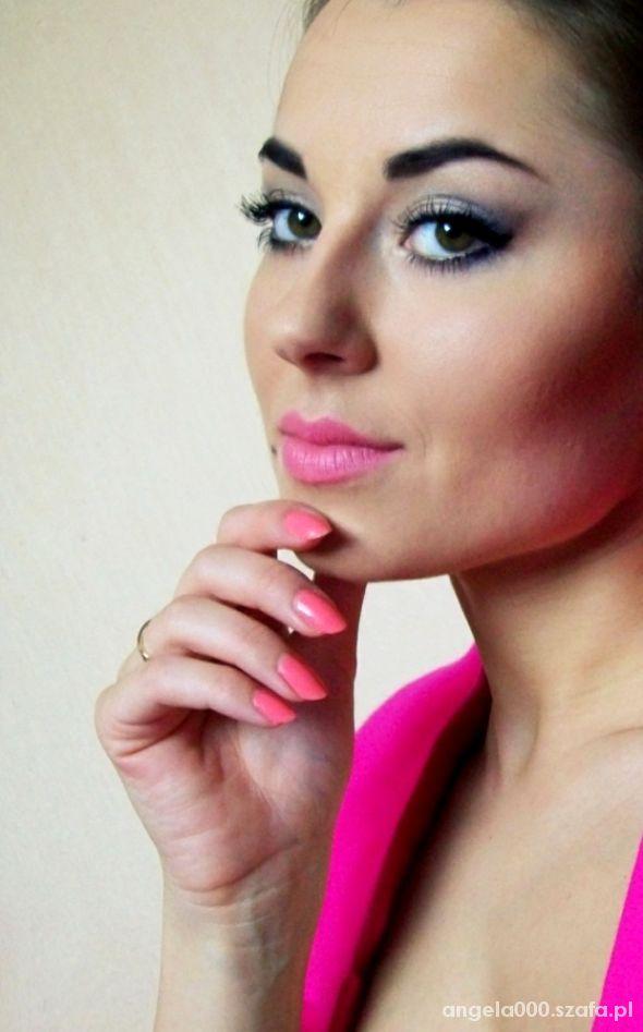 Fryzury pink