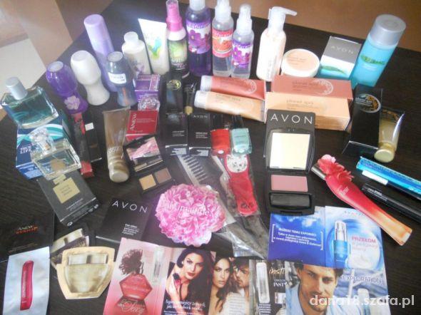 zestaw kosmetykow Avon