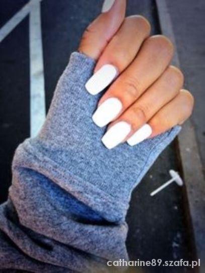 Fryzury white