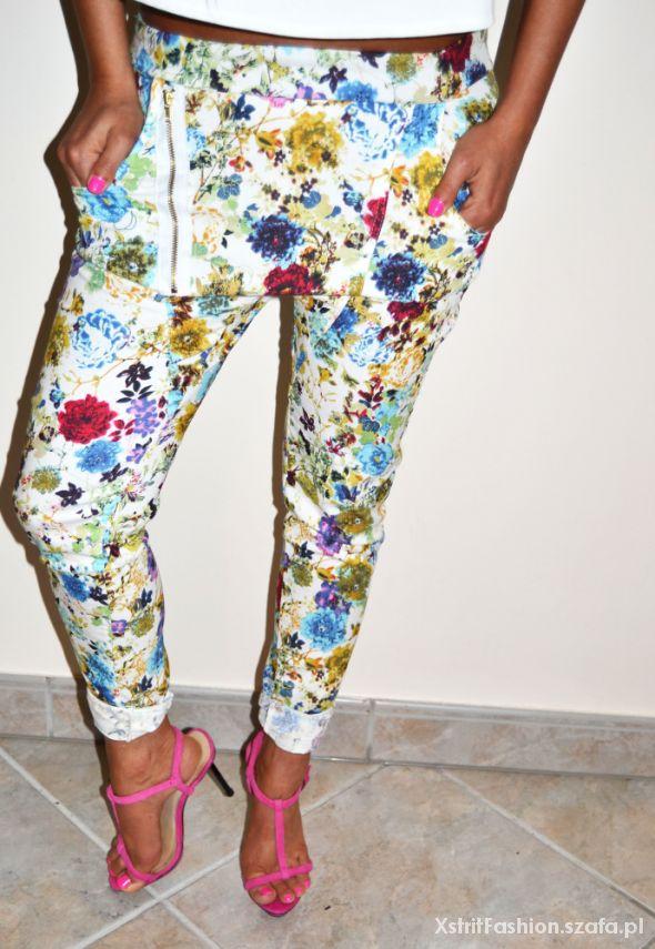 Spodnie Spodnie baggy jeansowe w kwiaty z zamkiem hit