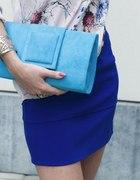 Kobaltowa spódnica zmysłowa bluzka...