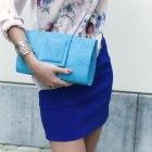Kobaltowa spódnica zmysłowa bluzka