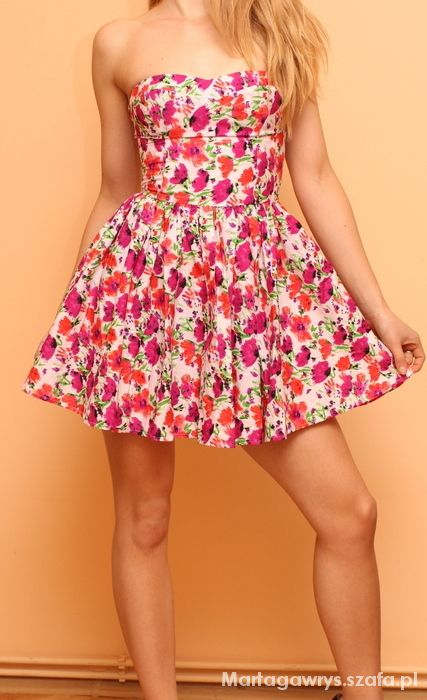 sukienka gorsetowa rozkloszowana Lipsy london s...