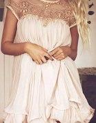 sukienka plisowana nude
