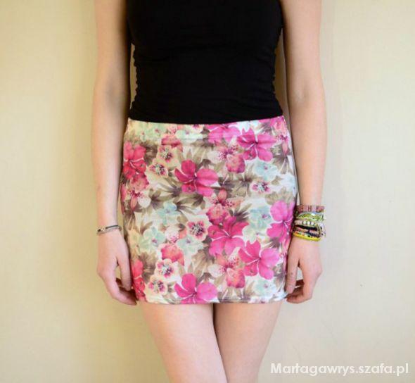 Spódnice dopasowana spódnica floral