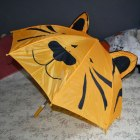 Śliczny parasol tygrysek