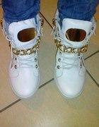 szukam sneakers 225 cm