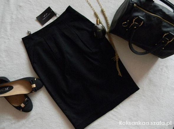 Spódnice Top Secret XS