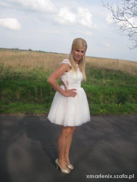 Eleganckie Sukienka koronkowa z gołymi plecami