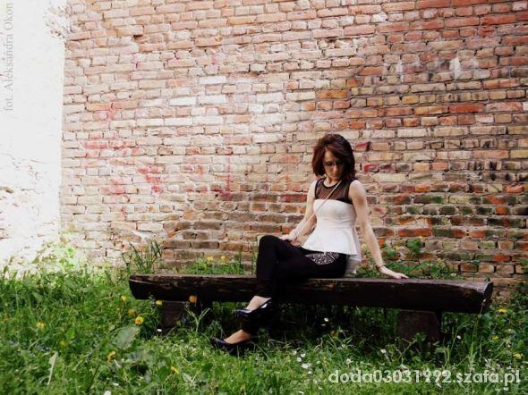 Blogerek Stylizacja wiosenna baskinka legginsy