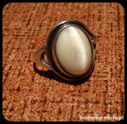 srebrny z szarym kocim okiem