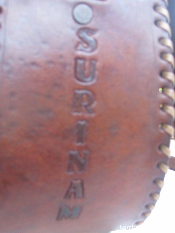 Etniczna torebka skórzana z Surinamu w Torebki na co dzień