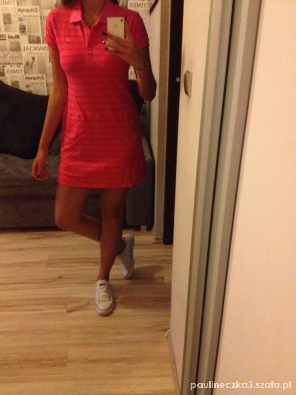 11da5f0775 Różowa sukienka Lacoste w Suknie i sukienki - Szafa.pl
