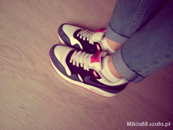 Mój styl Nike AIR MAX sportowo