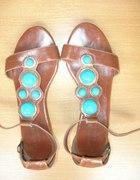 Brązowe sandałki