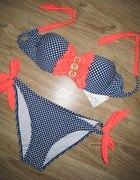 Bikini w kropki neonowe dodatki