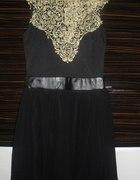 czarna sukienka z ażurowym przodem