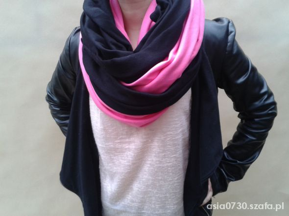 czarno różowy otulacz