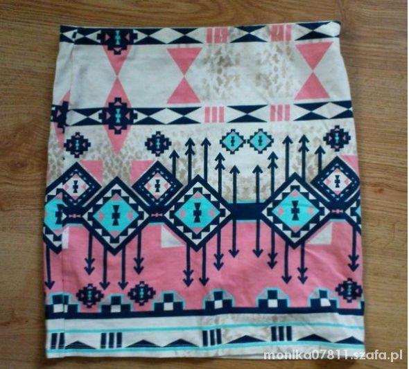 Spódnice AZTEC BERSHKA