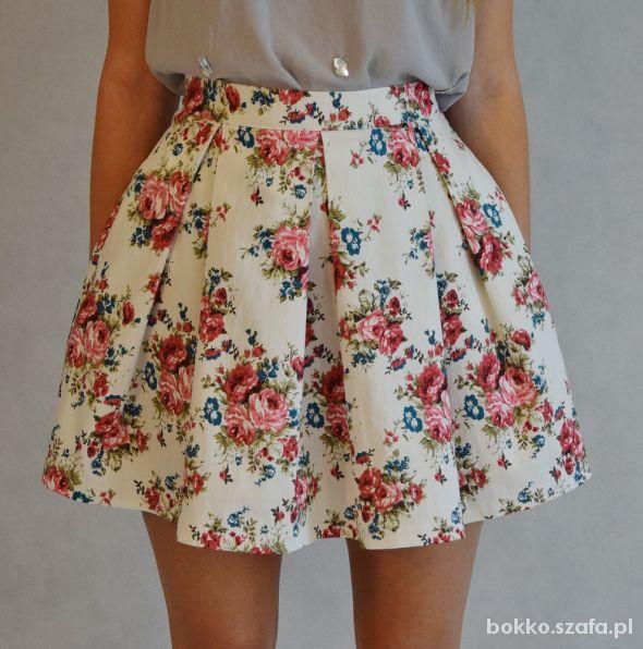 Spódnice Kloszowana spódniczka w kwiaty