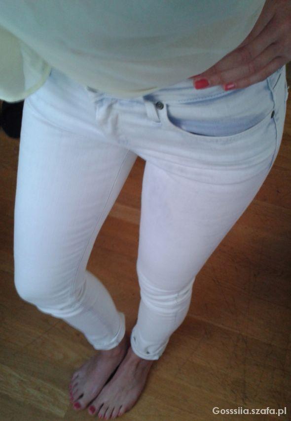 skinny jeans & lemon