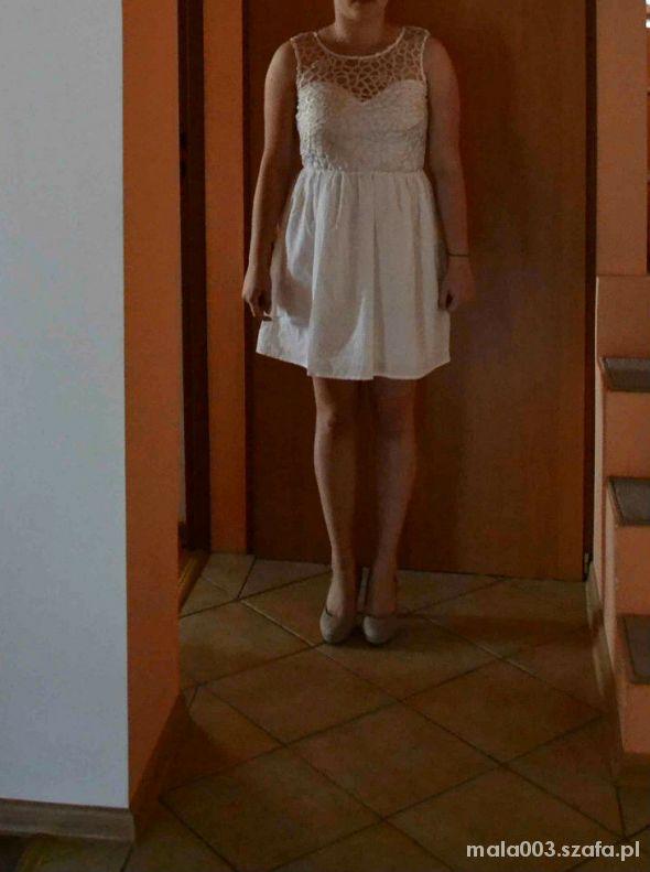 Wieczorowe sukienka która na wesele