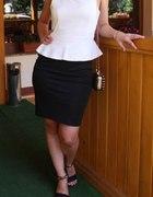 Biało czarna sukienka z baskijką