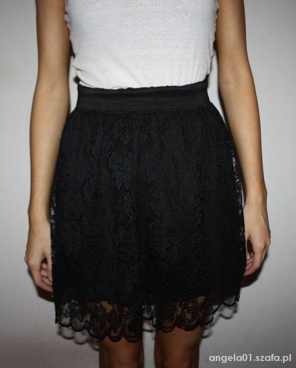 Spódnice Czarna koronkowa spódniczka New Yorker