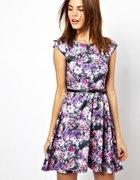 Pikowana sukienka w kwiaty