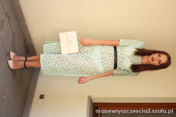 Eleganckie zwiewna miętowa sukienka na lato