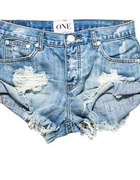 Szorty jeansowe przecierane